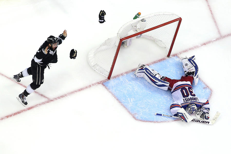 2014 Nhl Stanley Cup Final - Game Five Photograph by Bruce Bennett