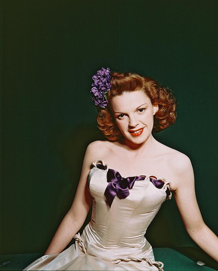 Judy Garland Photograph - Judy Garland by Silver Screen