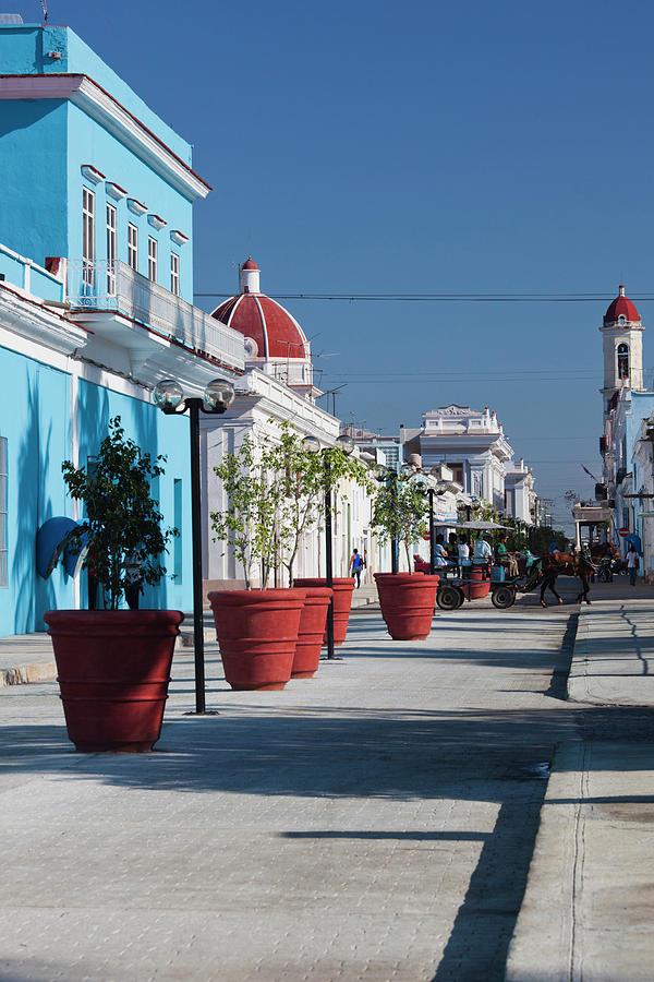 Build Photograph - Cuba, Cienfuegos Province, Cienfuegos by Walter Bibikow