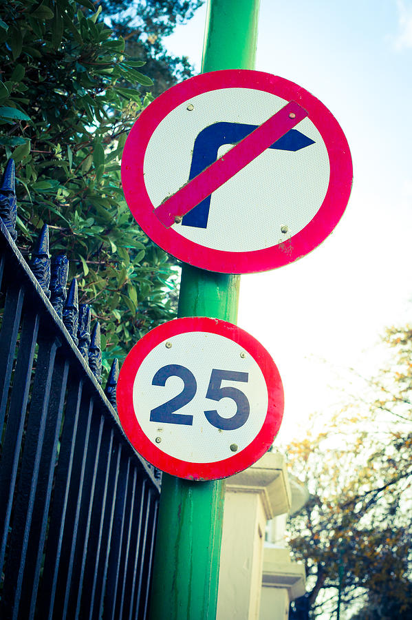 Arrow Photograph - 25 Mph Road Sign by Tom Gowanlock