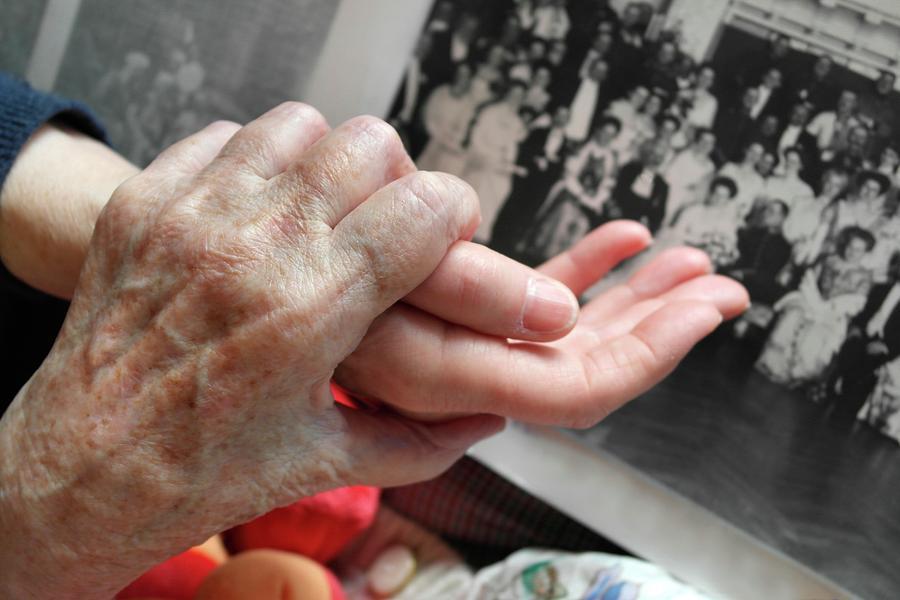 Alzheimer's Disease Photograph - Alzheimers Patient by Tony Craddock
