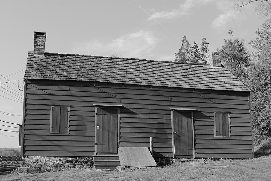 America Photograph - Farmhouse by Frank Romeo