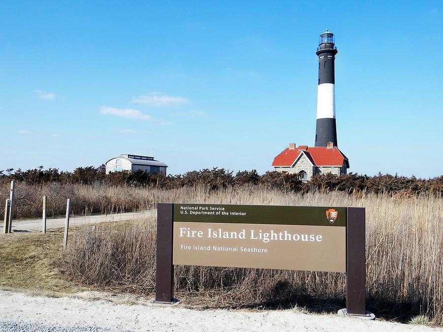Fire Island Lighthouse Photograph - Fire Island Lighthouse by Ed Weidman