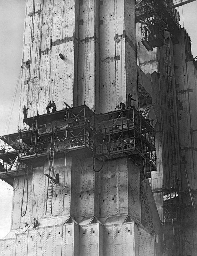 1930s Photograph - Ggb Tower Under Construction by Underwood Archives