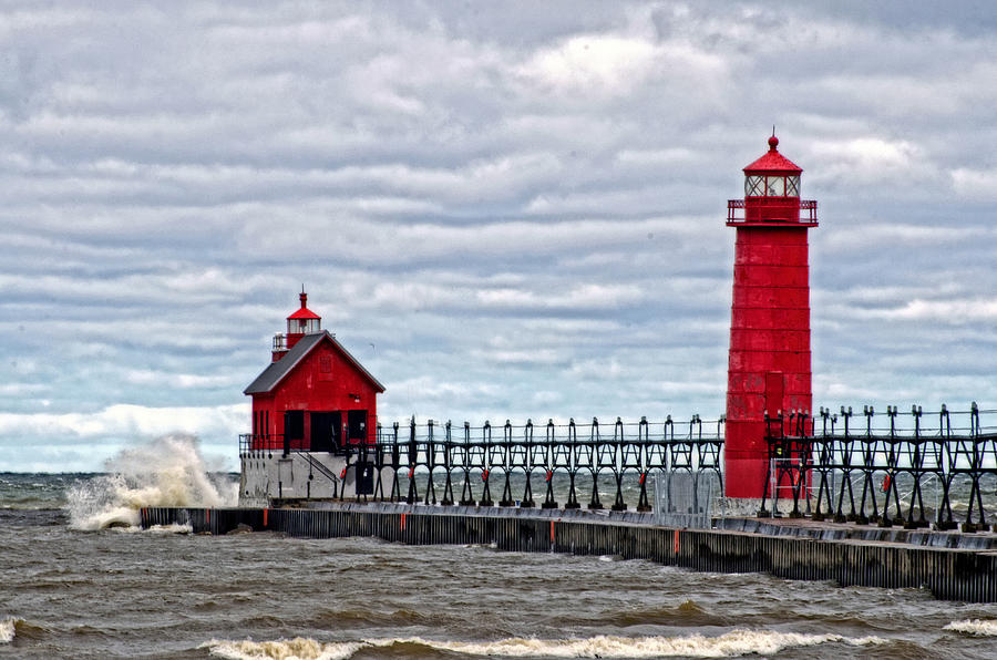 Grand Haven Lighthouse Photograph - Grand Haven Lighthouse by Cheryl Cencich