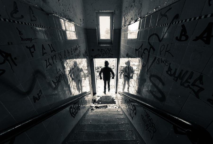 Berlin Photograph - 3 Homme by Pedro Nunez