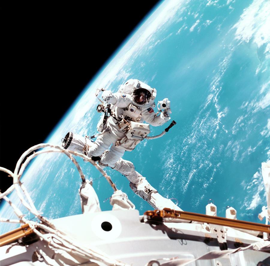 international space station astronaut spacewalk - photo #33