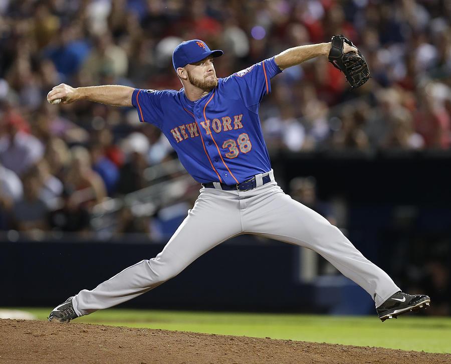 New York Mets V Atlanta Braves Photograph by Mike Zarrilli