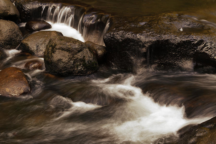 Rock Photograph - Water Flowing by Les Cunliffe
