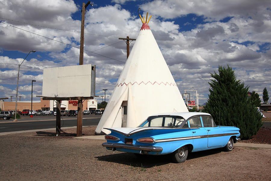 66 Photograph - Route 66 - Wigwam Motel by Frank Romeo