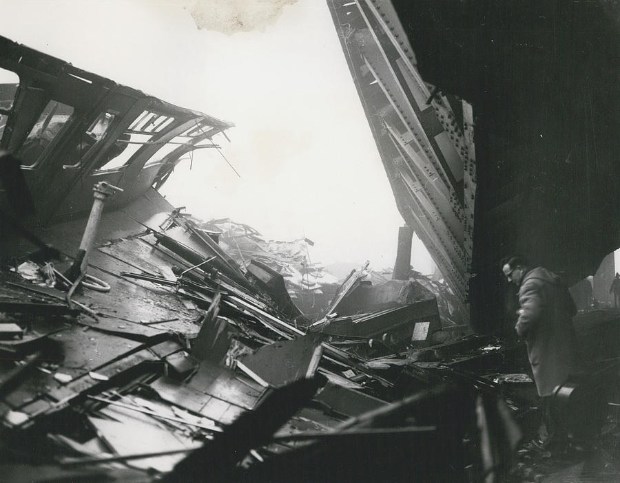 Retro Photograph - 61 Die And 200 Injured In Lewisham Rail Disaster by Retro Images Archive