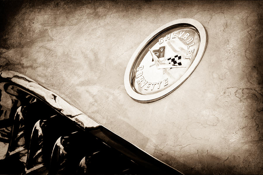 Chevrolet Corvette Emblem Photograph - Chevrolet Corvette Hood Emblem by Jill Reger