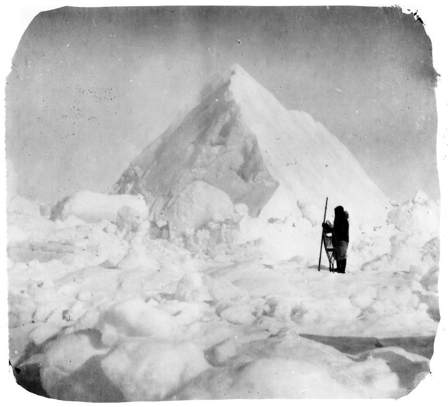 1911 Photograph - Roald Amundsen (1872-1928) by Granger