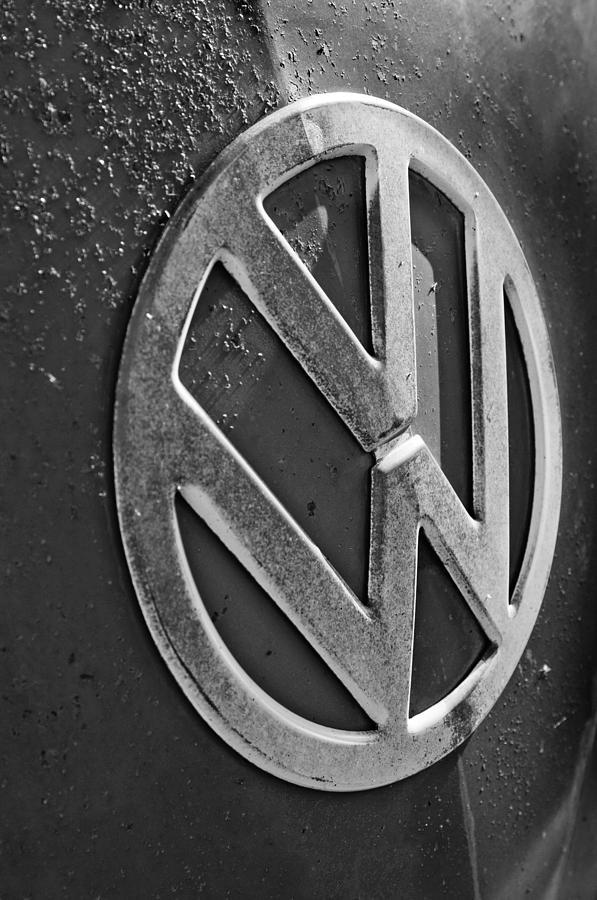 Volkswagen Photograph - Volkswagen Vw Bus Front Emblem by Jill Reger