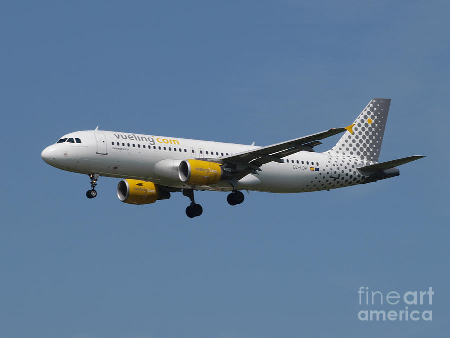 737 Photograph - Vueling Airbus A320 by Paul Fearn