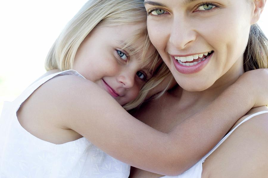 Human Photograph - Mother And Daughter by Ian Hooton/science Photo Library