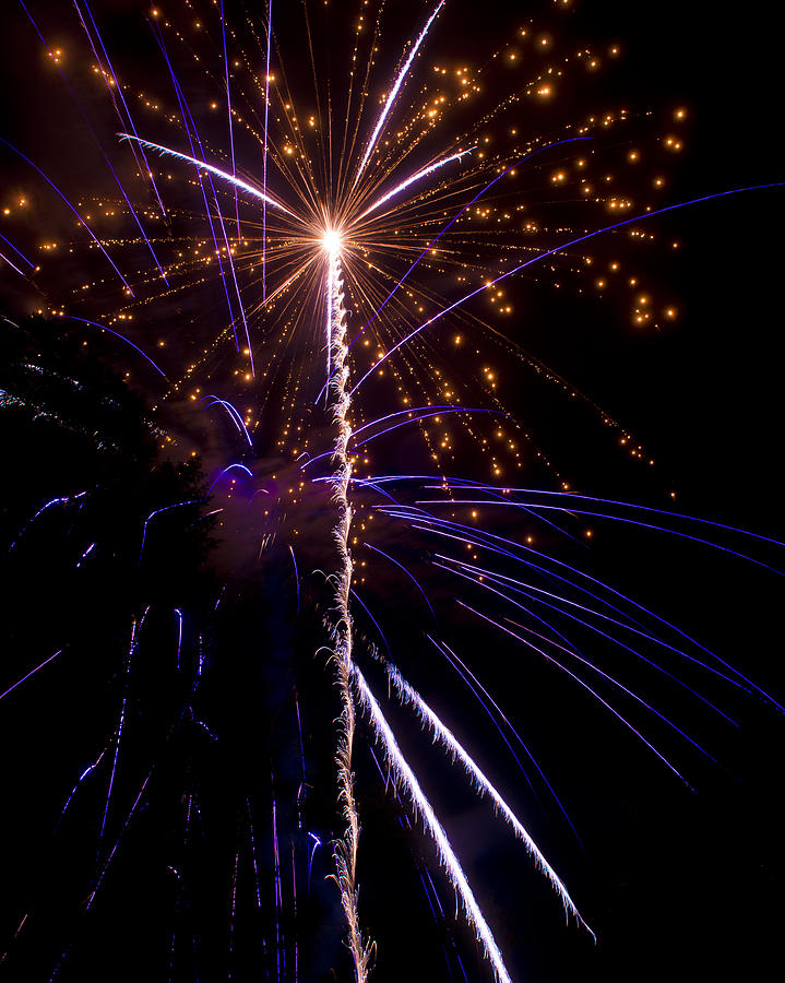 4th Photograph - 4th Of July Fireworks by Ray Devlin