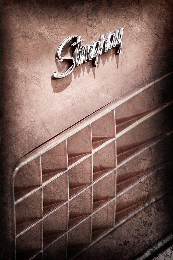 Sports Cars Photograph - 1972 Chevrolet Corvette Stingray Emblem by Jill Reger