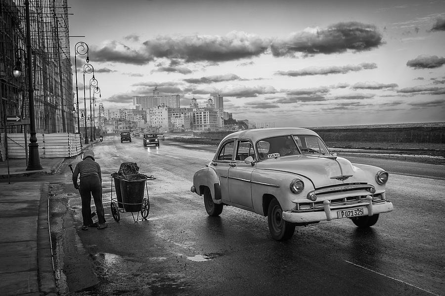 Malecon Photograph - 5 by Alper Uke