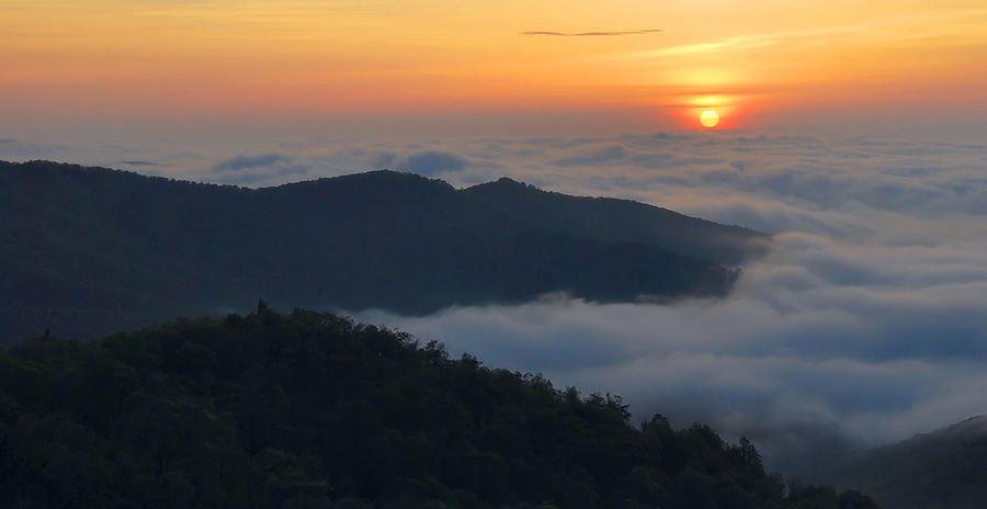 Sunrise Photograph - Shenandoah Sunrise by Stephen  Vecchiotti