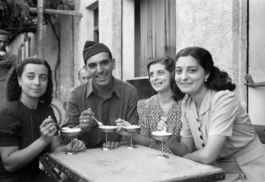 1943 Photograph - Wwii Sicily, 1943 by Granger