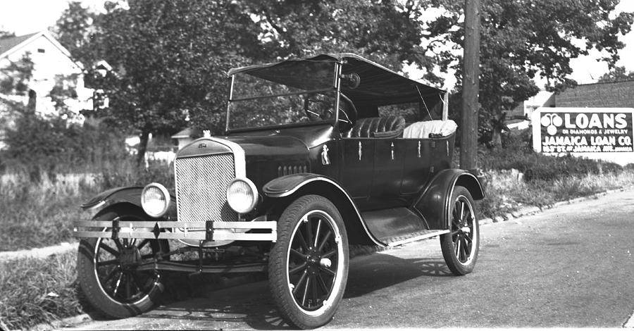 52 - Model T Ford Touring Car - 1920s Photograph by Hank Clark & Model T Ford Touring Car - 1920s Photograph by Hank Clark markmcfarlin.com