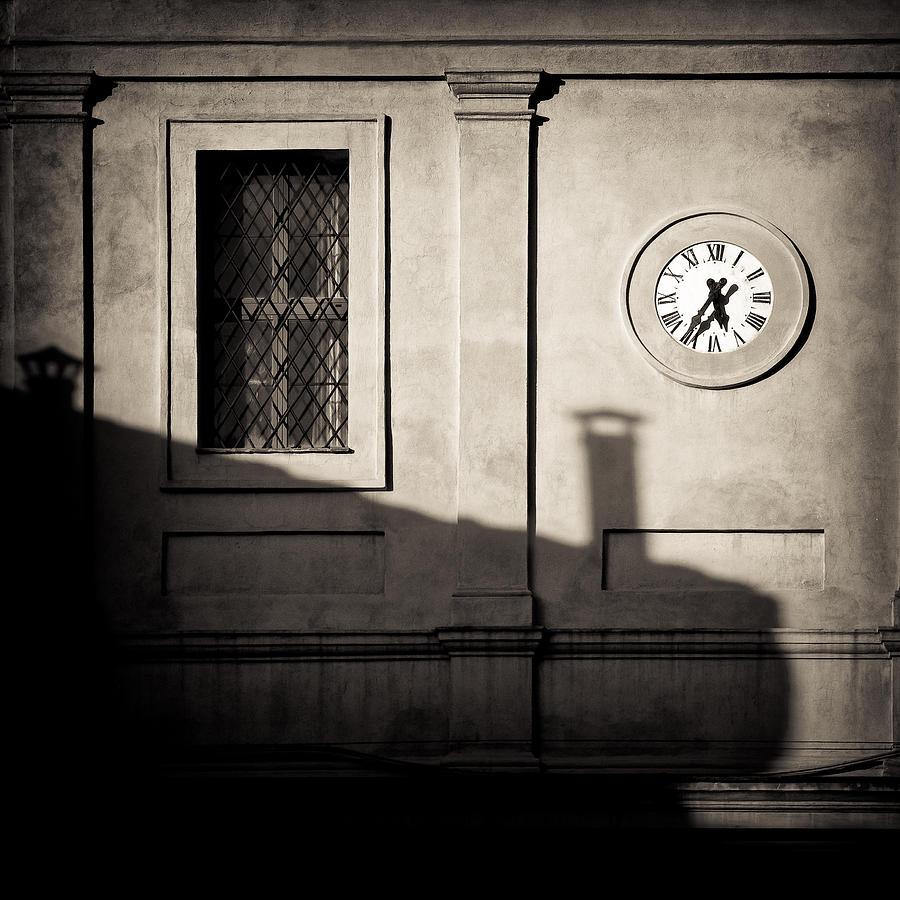 Siena Photograph - 5.35pm by Dave Bowman