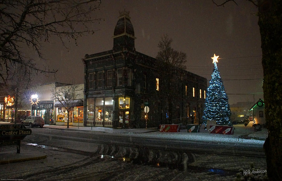 Snow Photograph - 5th And G At Christmas 2012 No2 by Mick Anderson