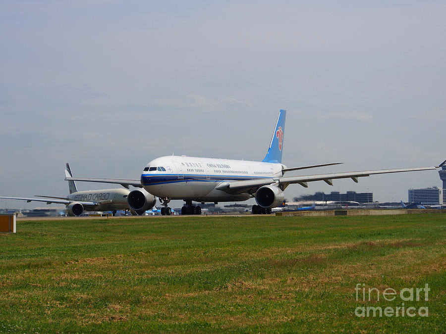 737 Photograph - China Southern Airlines Airbus A330 by Paul Fearn