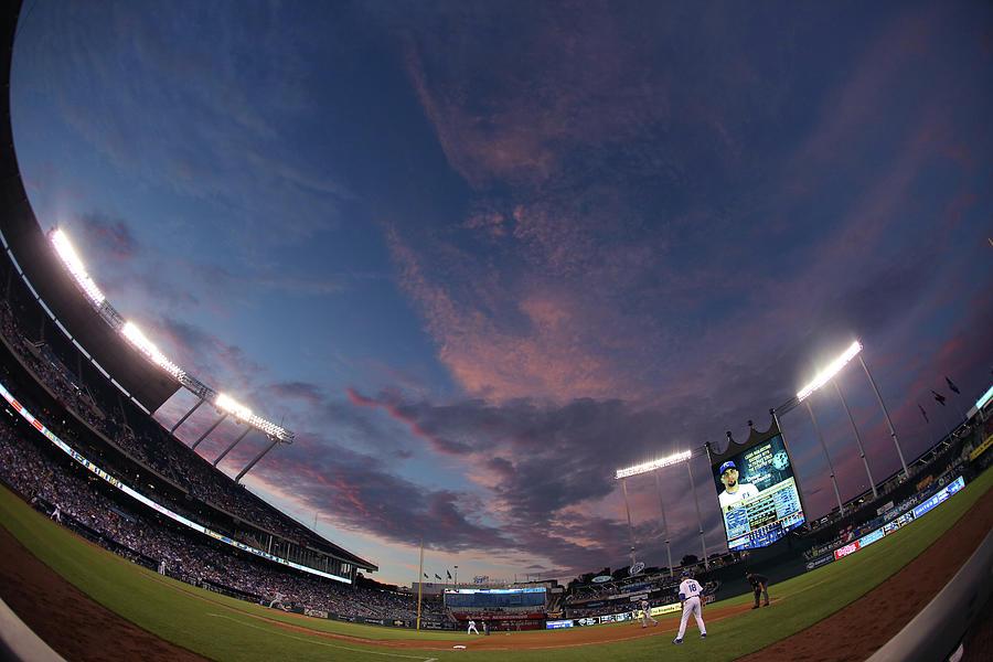 Los Angeles Dodgers V Kansas City Royals Photograph by Ed Zurga