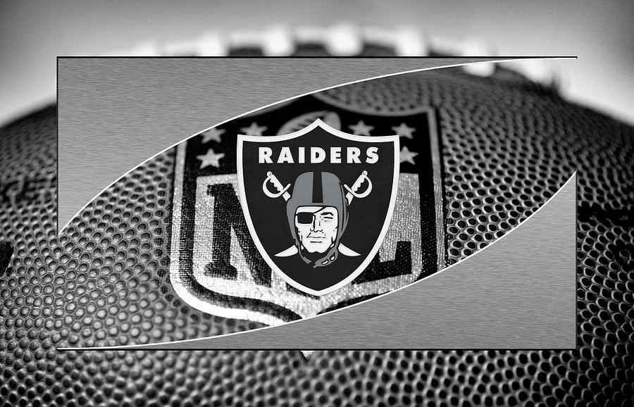 Raiders Photograph - Oakland Raiders 6 by Joe Hamilton