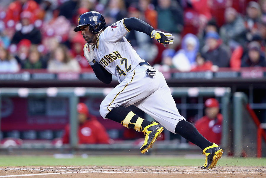 Pittsburgh Pirates V Cincinnati Reds 6 Photograph by Andy Lyons