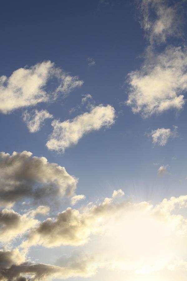 Sun Photograph - Sky by Les Cunliffe