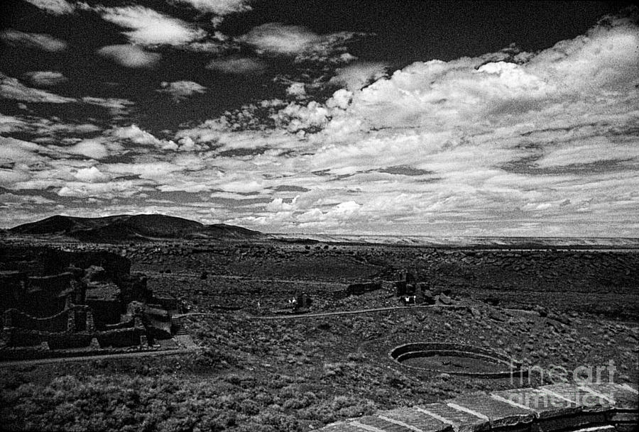 Print Photograph - 672 Sl Bw Tuzigoot 3  by Chris Berry