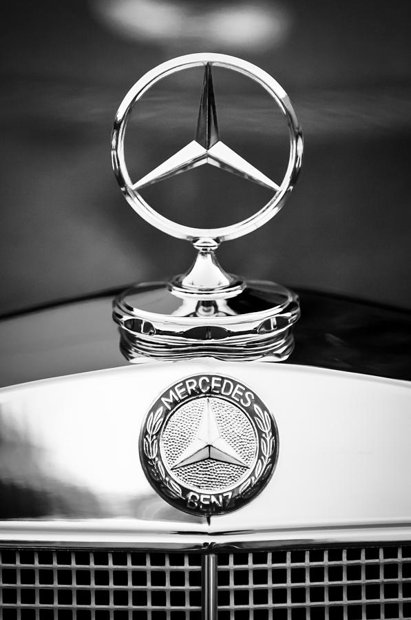 Mercedes Benz Emblem Photograph - Mercedes-benz Hood Ornament by Jill Reger