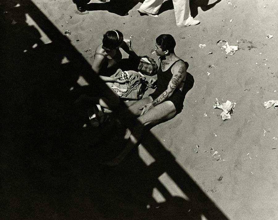 A Couple At Coney Island Photograph by Lusha Nelson