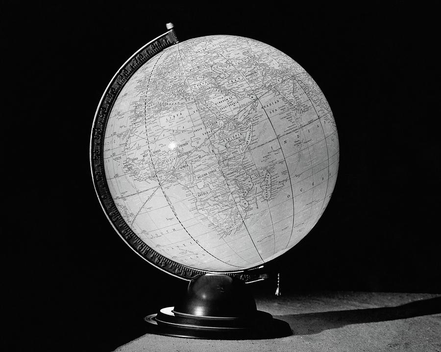A Globe Lamp Photograph by Ben Schnall