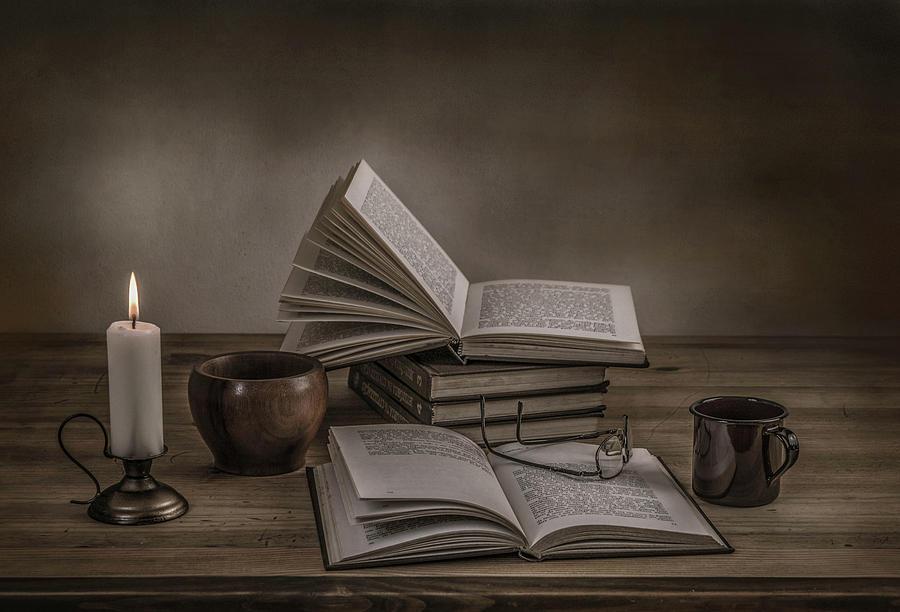 Book Photograph - A Good Read by Margareth Perfoncio