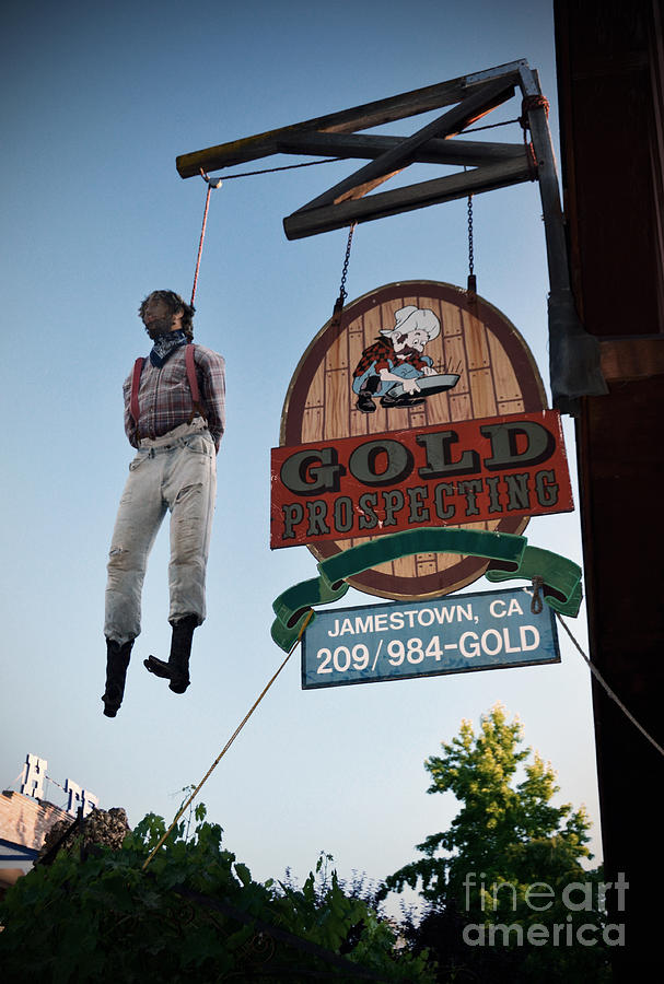 Hanged Man Photograph - A Hanged Man In Jamestown by RicardMN Photography