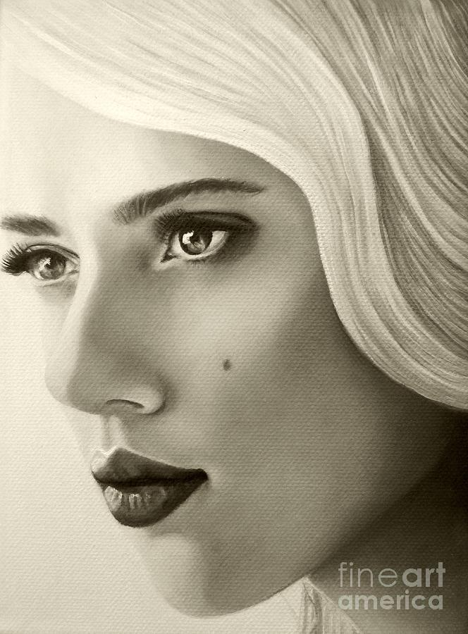 Portrait Painting Painting - A Mark Of Beauty - Scarlett Johansson by Malinda Prudhomme
