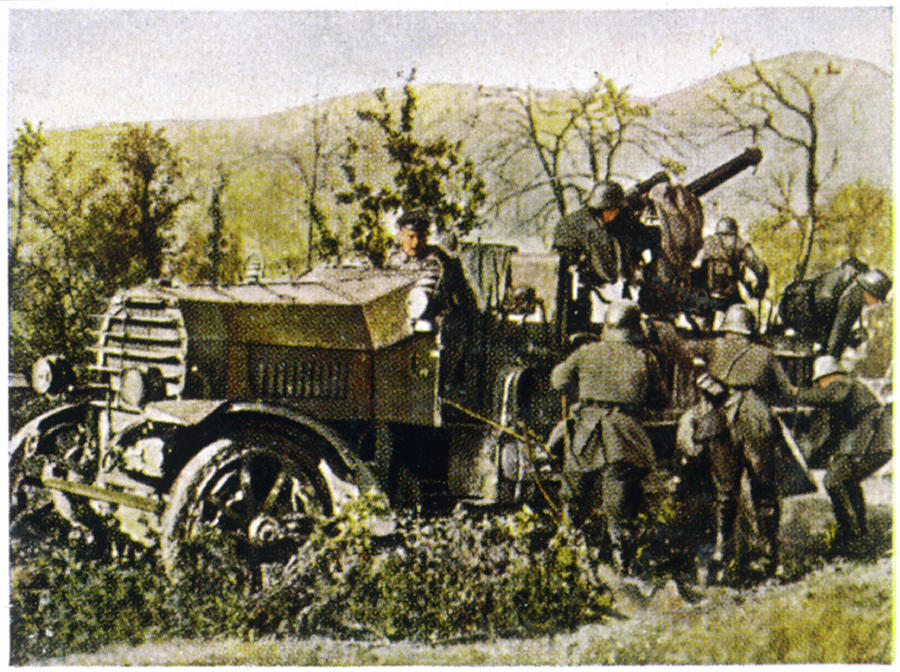 Ww1 Photograph - A Mobile German Anti-aircraft by Mary Evans Picture Library