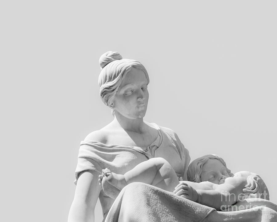 Art Photograph - A Mothers Love by Christina Klausen