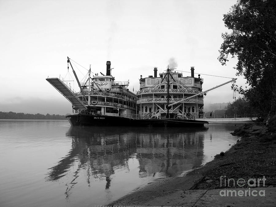 Riverboats Photograph - A Pair Of Queens Bw by Mel Steinhauer