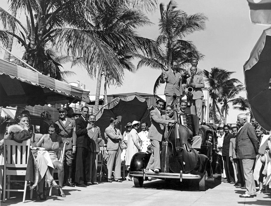 1933 Photograph - A Portable Jazz Band In Miami by Underwood Archives