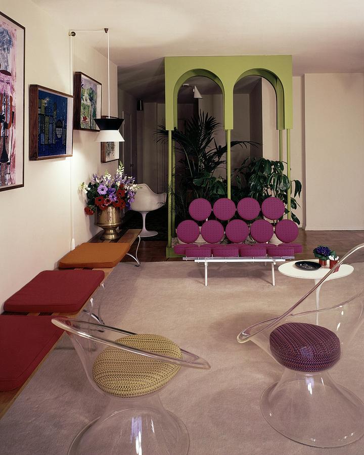 A Retro Living Room Photograph by Tom Leonard