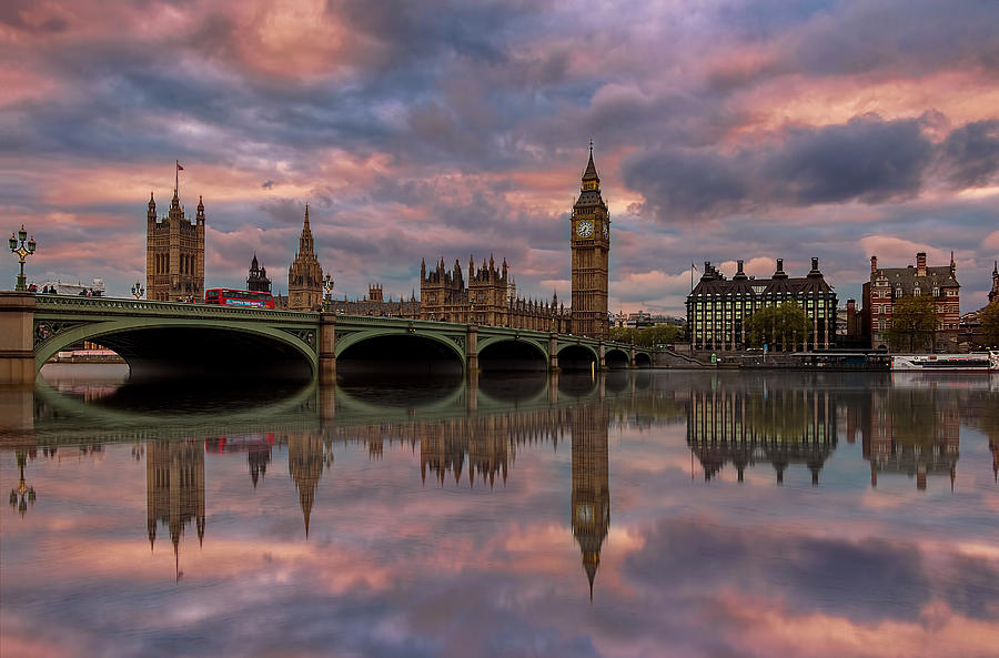 London Photograph - A Sunset To Remember .. by Ahmed Lashin