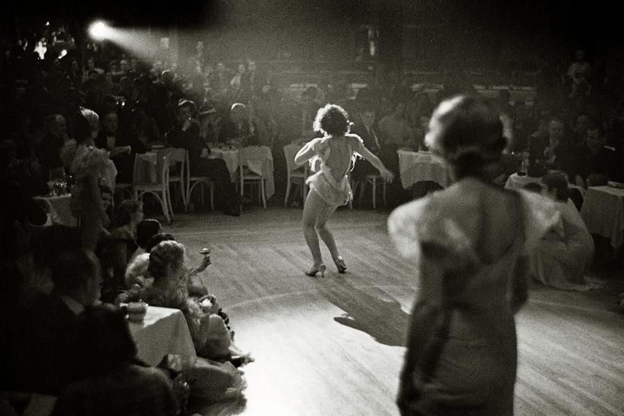 A Woman Performing at Nightclub Photograph by Remie Lohse
