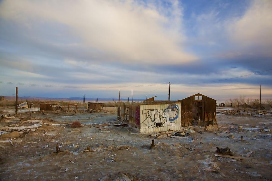 Salton Sea Photograph - Abandoned Home Salton Sea by Hugh Smith