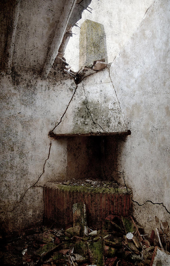 Grunge Photograph - Abandoned Little House 2 by RicardMN Photography