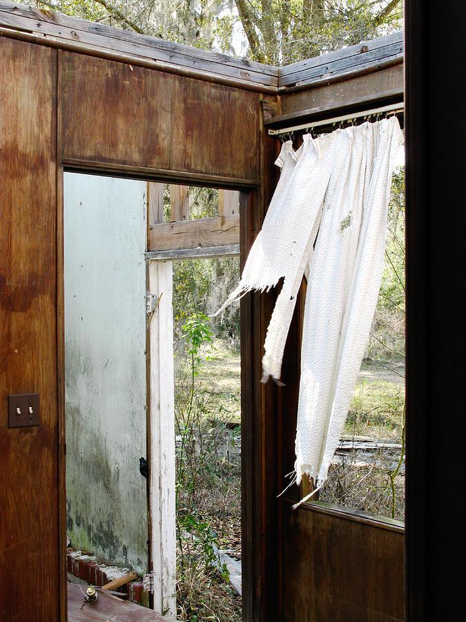 Abandoned House Photograph - Abandoned by Randi Kuhne